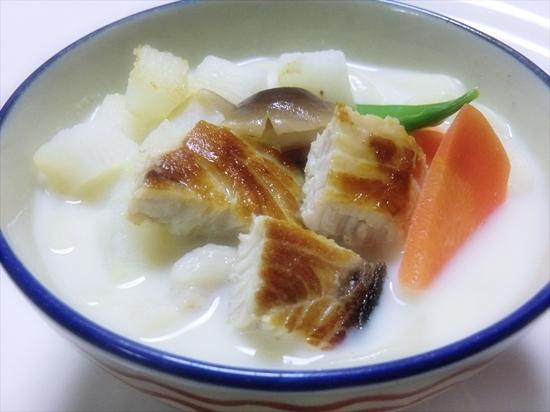 ぶりと山芋の豆乳煮込みうどん♪