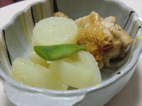 鶏手羽元と大根の煮物♪