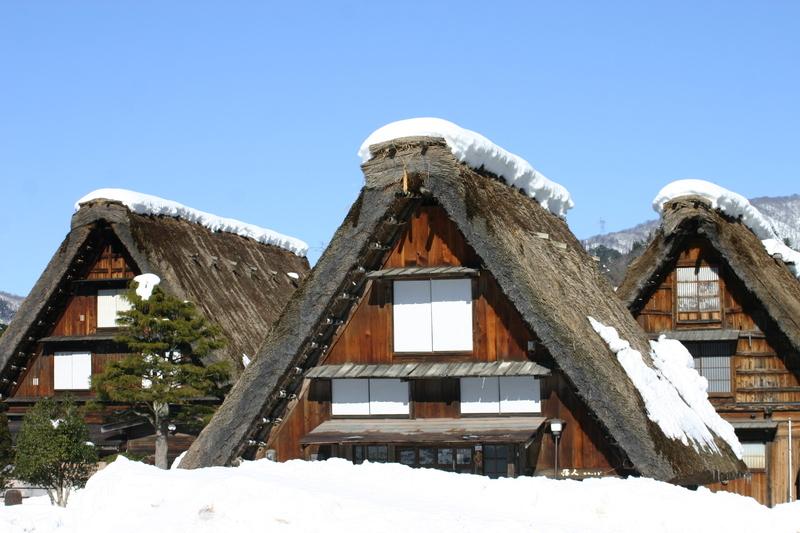 白川郷~幻想が息づく村~ 茅葺屋根の家が並ぶ光景は、まるで昔読んだ民話の世界のよう  ⑤