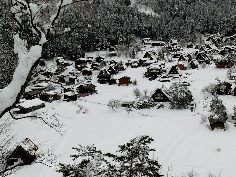 【世界遺産 白川郷】天守閣展望台から見る雪景色にシアワセ感じるニッポンの冬休み ①