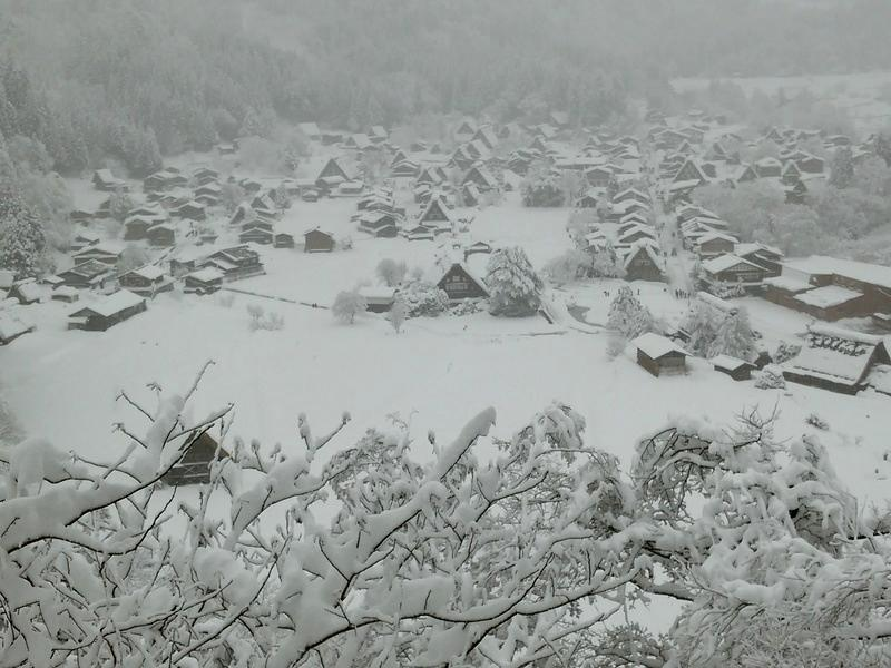 新年明けましておめでとうございます。お陰様で、大白川温泉 しらみずの湯も新年を迎えることができました。 ③