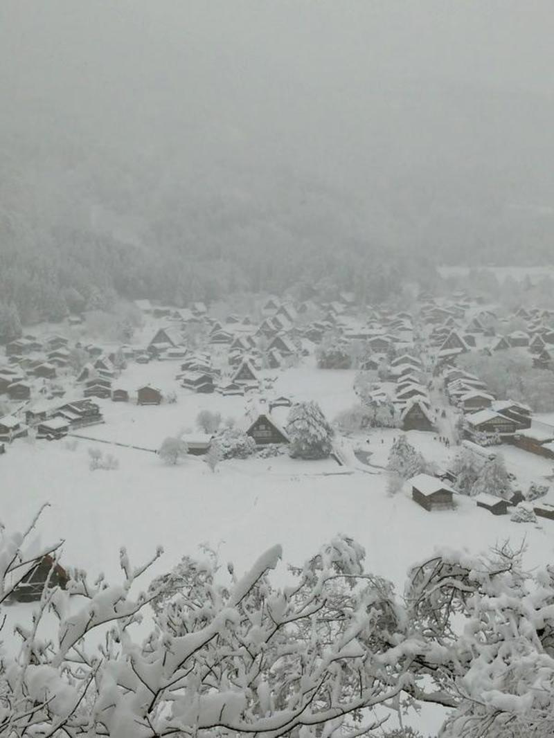 昔はどこにでもみられた日本の冬の風景 白川郷 ②