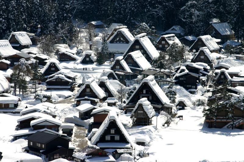 ここは雪が無いと絵にならない白川郷 ⑥