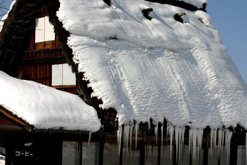 ここは雪が無いと絵にならない白川郷 ⑨