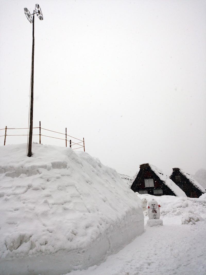 冬の白川郷は寒い、でも、静けさの中だからこそ ③