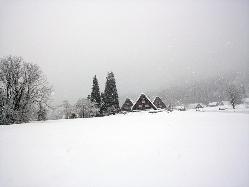 冬の白川郷は寒い、でも、静けさの中だからこそ ⑧