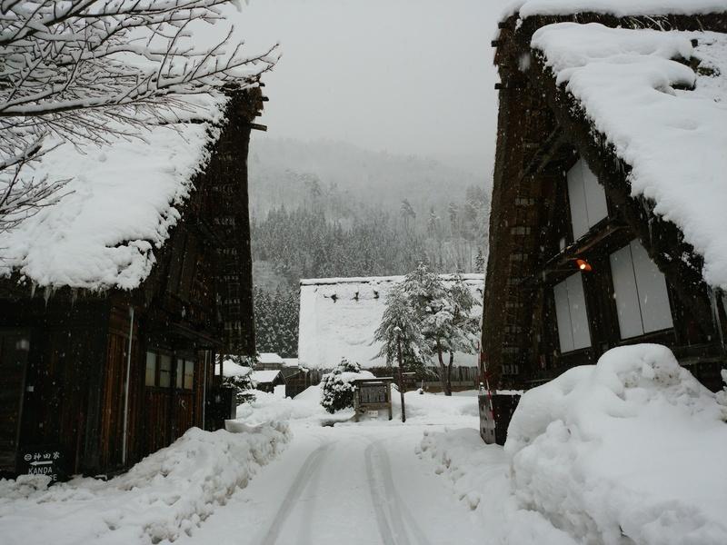 明日1月17日(土)第1回 冬の風物詩!世界遺産「白川郷」雪のライトアップ開催 ①
