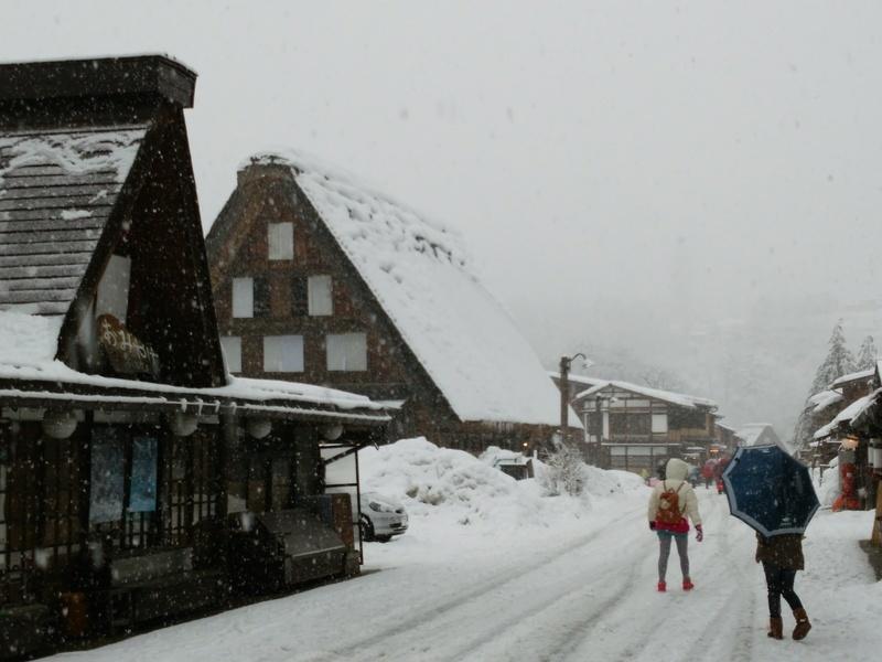 明日1月17日(土)第1回 冬の風物詩!世界遺産「白川郷」雪のライトアップ開催 ⑤