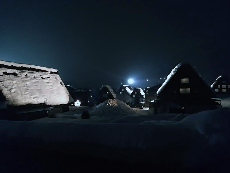 冬の白川郷の雪景色と夜のライトアップ ⑨