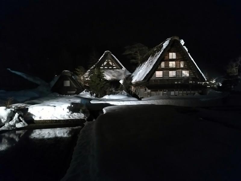冬の白川郷の雪景色と夜のライトアップ ⑩