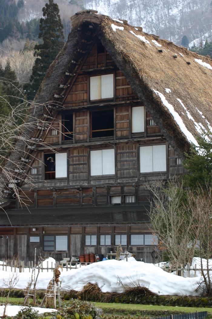 真冬の風物詩 白川郷合掌造り集落のライトアップが1月31日&2月1日始まります ②