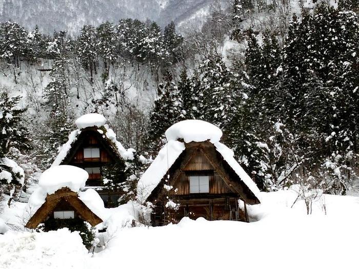 厳しい冬ももう少し 白川郷 ⑥