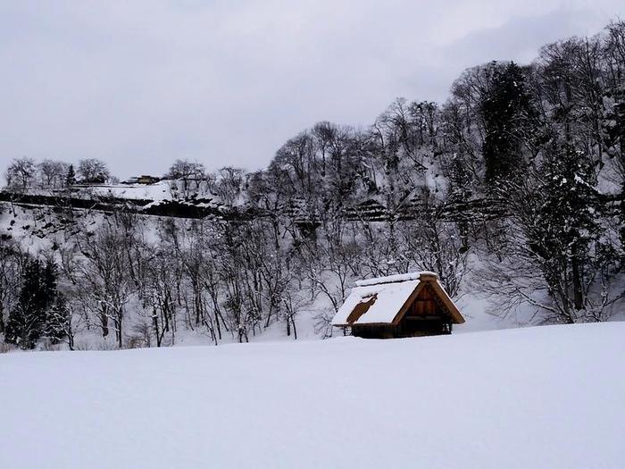 まだまだ雪景色を満喫できる白川郷にも、春の足音がゆっくりと近づいているはず。。⑥