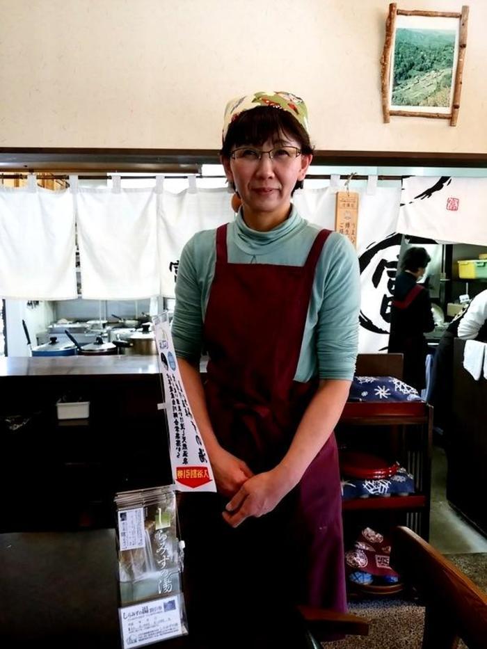 白川郷鳩谷の地で昭和36年創業 名代とんかつ 冨美や 「大白川温泉しらみずの湯」割引券付パンフレット設置しました ④
