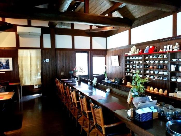 世界遺産白川郷荻町合掌集落内にあるコーヒー屋 鄙  「大白川温泉しらみずの湯」割引券付パンフレット設置して頂きました ④