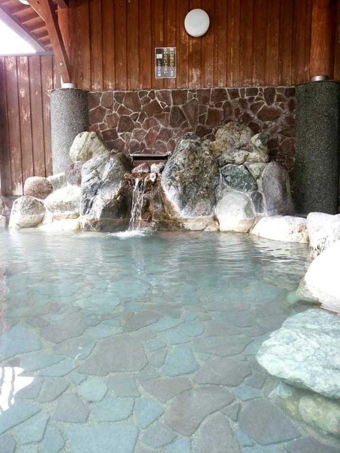 世界遺産白川郷荻町合掌集落内にあるコーヒー屋 鄙  「大白川温泉しらみずの湯」割引券付パンフレット設置して頂きました ⑦