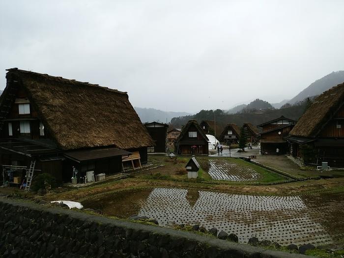 雪解けの雨も降り始めている白川郷 ⑤