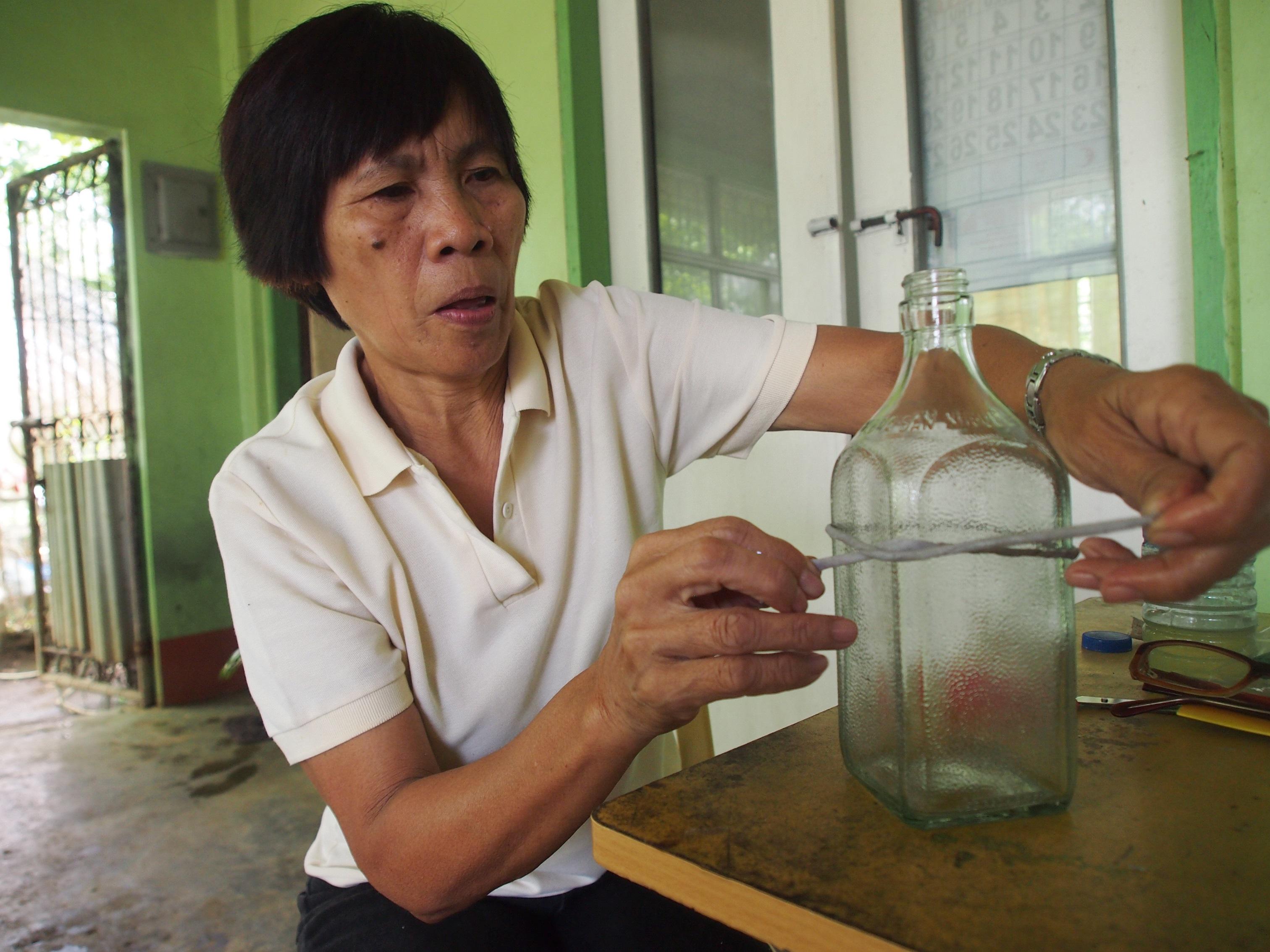 空き瓶オイル糸