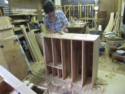 漆塗り直し、箪笥再生、木地調整、鉋掛け