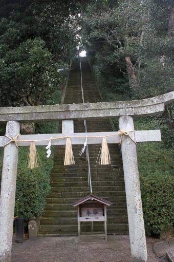 粟島神社の参道