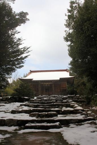 劔神社拝殿
