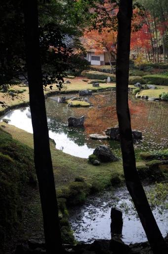 常永寺庭園の船石