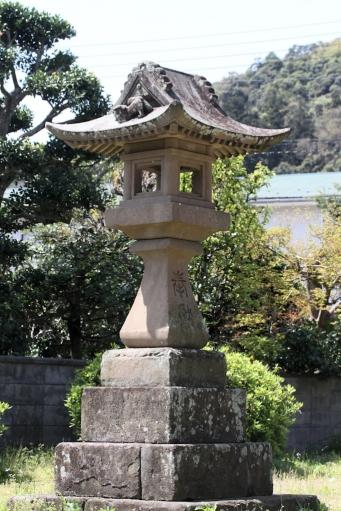 田中神社の灯籠