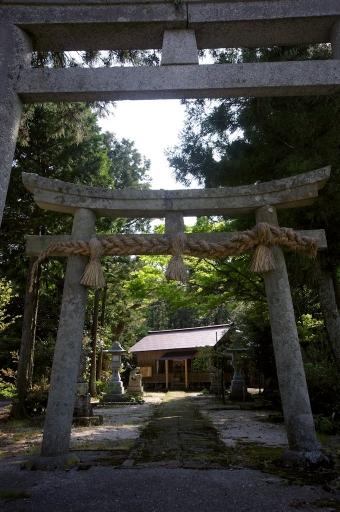久良彌神社の参道