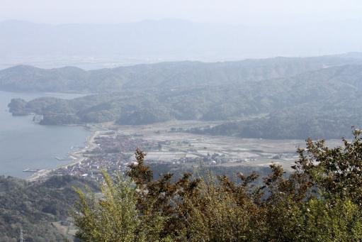 枕木山から見た闇見神社付近