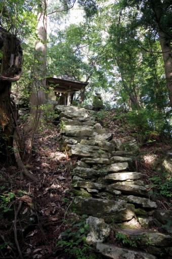 縄久利神社の奥の宮