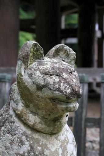 貴布禰稲荷両神社のキツネさん阿形