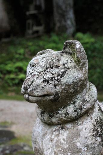 貴布禰稲荷両神社のキツネさん呍形