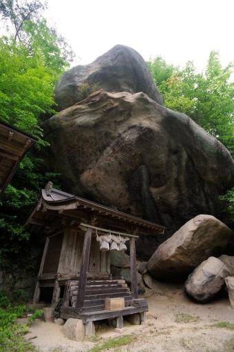 磐船神社の磐座