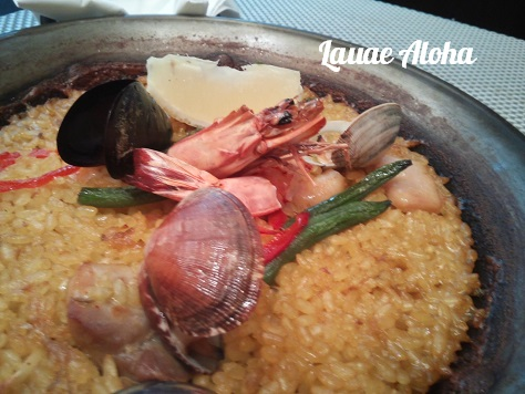 魚介と鶏肉のパエリア