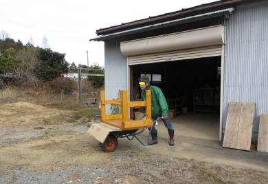 2015_02 07_農業倉庫荷物移動・1