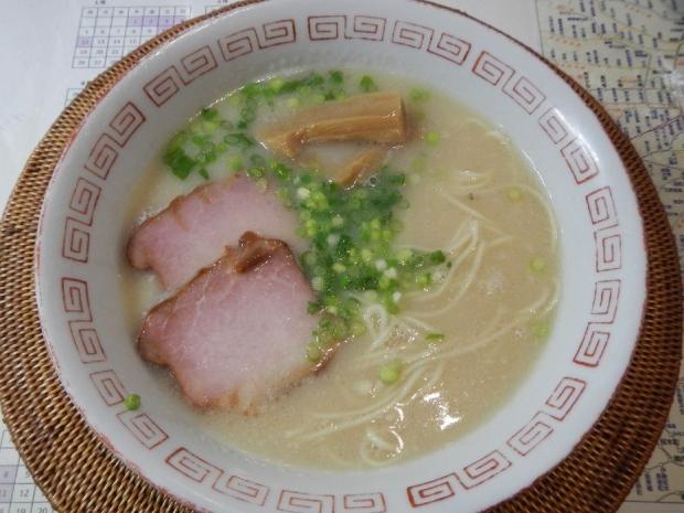 博多豚骨ラーメン (3)