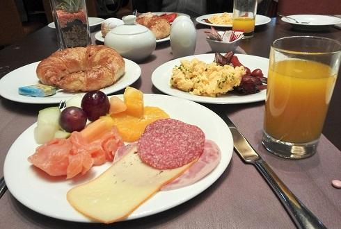 10 朝食・バイキング