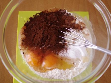 ホットケーキミックスで作るバターなしのもちもち焼きドーナツ01