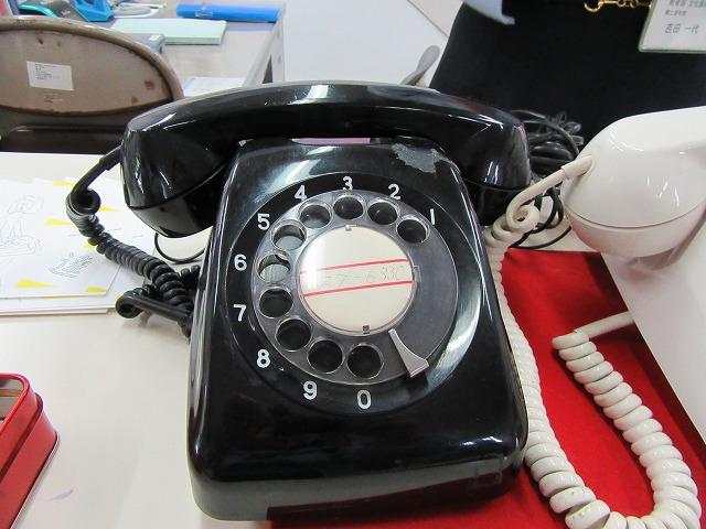 昔の黒電話 27.6.16