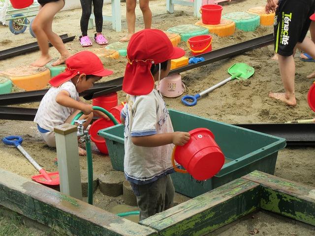 4歳児砂場遊び 27.6.17