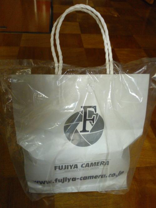 Camera カメラ 雨の日のサービス