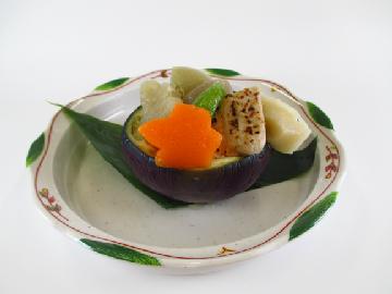 長岡野菜と車麩の炊き合わせ