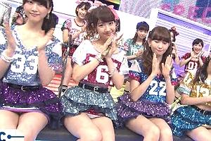 【厳選エロ画像77枚】AKB48柏木由紀の衝撃パンチラや流出画像を総まとめしてやった【保存版】