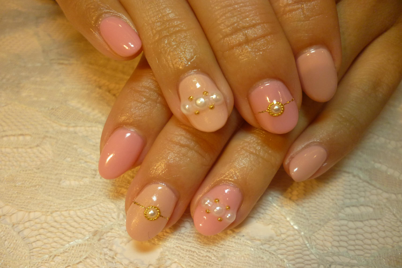 2色ピンクのワンカラーネイル 上品パールアートネイル