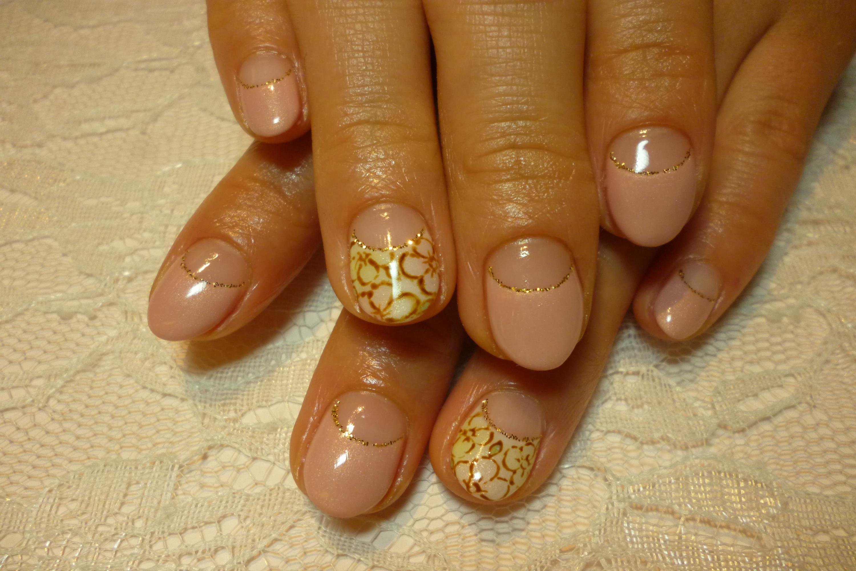 春ネイル ピンクフレンチネイル ふんわり手描きお花アートネイル