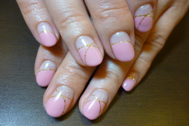 ピンク丸フレンチゴールドラメネイル