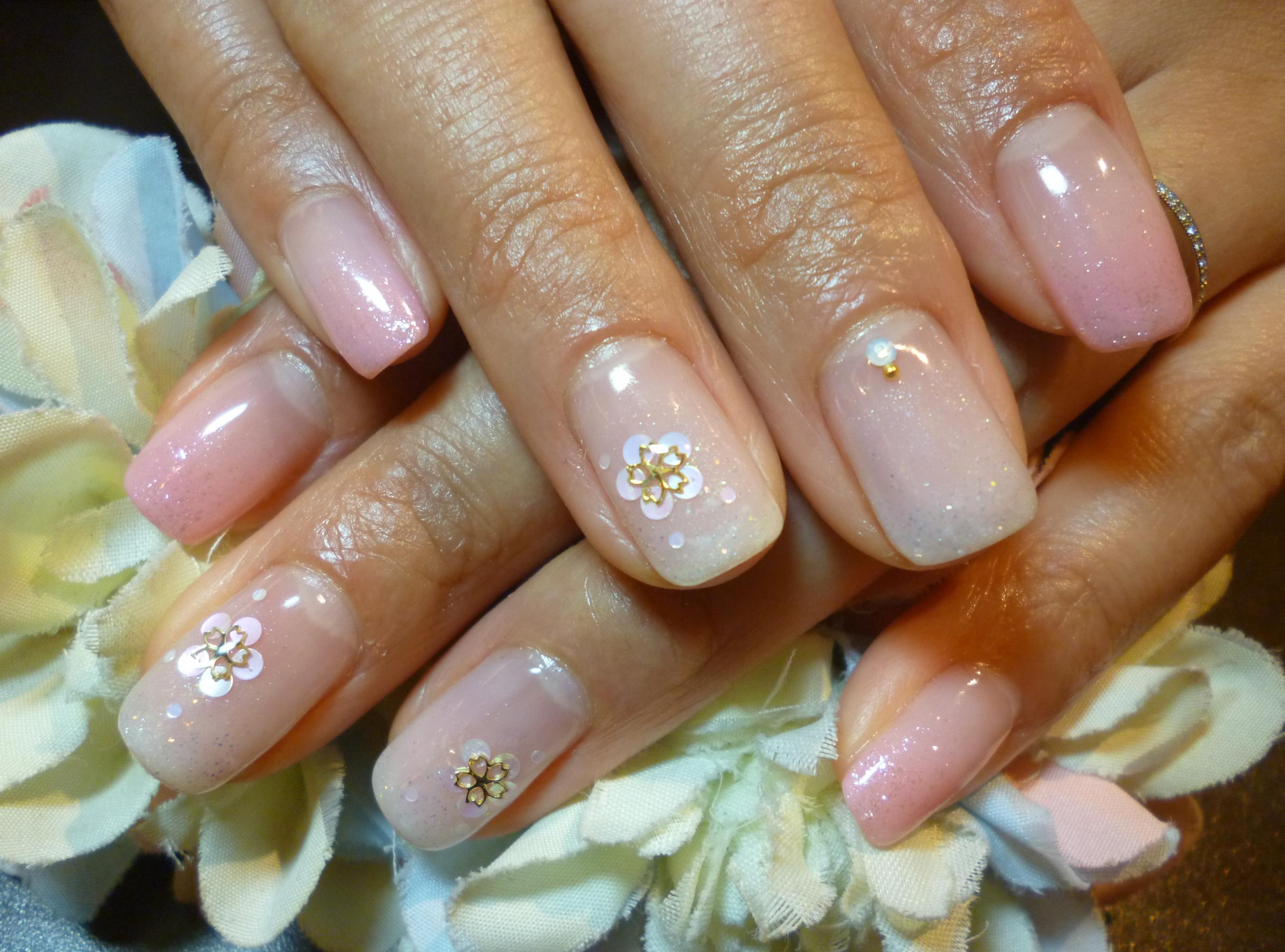 ピンク&ホワイトグラデーション ホロお花アートネイル