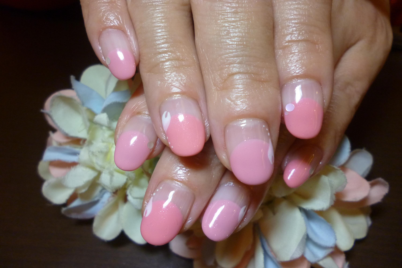 ピンク丸フレンチネイル 桜の花びらネイル