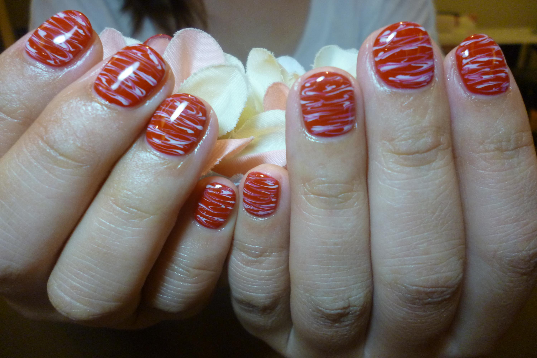 赤×白マーブルネイル
