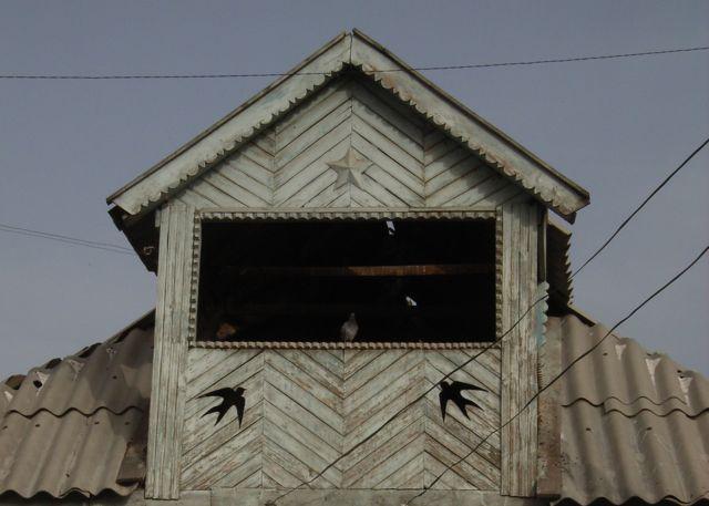 キルギスツバメの家